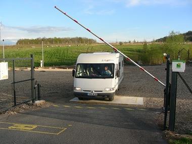 Aire d'accueil de Zaza entrée < Chavignon < Aisne < Picardie