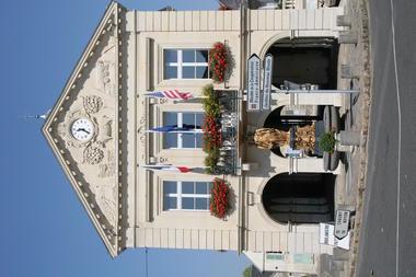 Blerancourt_facade_hotel_de_ville