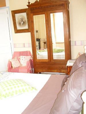 Bonbon Plume chambre < Courmelles < Aisne < Picardie