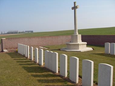 Cimetière britnanique de Joncourt est < Guerre 14-18 < WWI < Joncourt < Aisne < Picardie < France