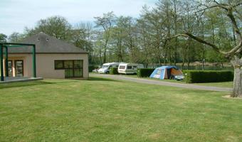 Camping municipal le Lac de Condé_emplacements<Le Nouvion-en-Thiérache<Aisne<Picardie