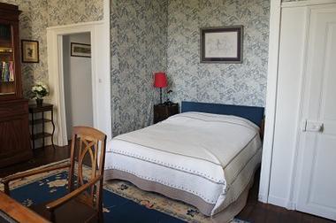 Chambres d'hôtes les Jardins du Château chambre bleu < Puisieux et Clanlieu < Aisne < Picardie