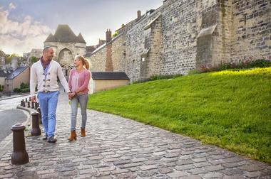 Cité médiévale de Laon en amoureux < Laon < Aisne < Hauts de France