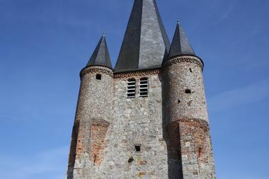 Eglise fortifiée de Fontaine-les-Vervins < Thiérache < Aisne < Picardie