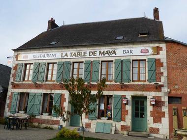 La Table de Maya < Façade < Aubenton < Aisne < Picardie