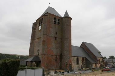 Eglise fortifiée < Hary < Aisne < Picardie