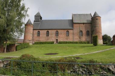 Eglise fortifée d'Esquéhéries < Thiérache < Aisne < Picardie