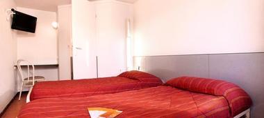 FRA22142-rooms3
