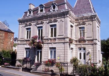 SAINT-MICHEL Le Petit Château