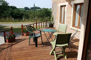 Gîte de Hary Terrasse < Hary < Aisne