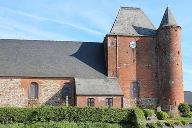 Eglise fortifiée < Englancourt < Thiérache < Aisne < Hauts-de-France
