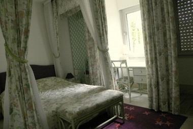 Jardin Joachim > Villeqiuer Aumont > Chambre1