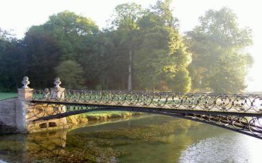 Parc et jardin_petit_pont_soleil_couchant < Bosmont < Aisne < Picardie