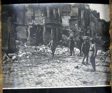 Photo-Guerre-14-18-Chateau-Thierry-soldats-francais-americains-1919-WW1-