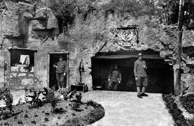 Entrée des carrières de Confrécourt < Guerre 14-18 < WWI < Aisne < Picardie < France