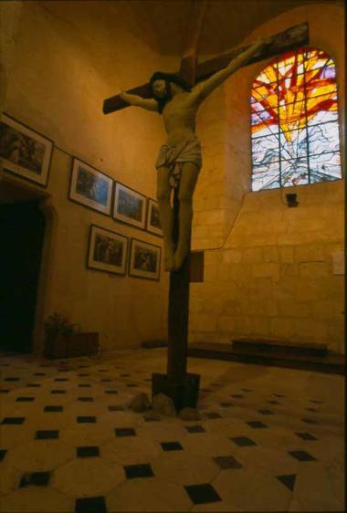Vitraux contemporains à l'église de Longueval