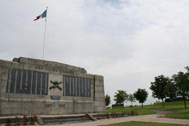 Monument des chars d'assaut 2015 II < Berry-au-Bac < Aisne < Picardie