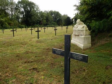 Cimetière allemand de Bousson I < Laon < Aisne < Picardie