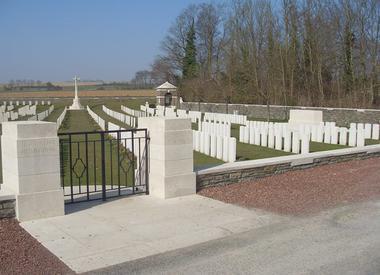 Cimetière de Jeancourt  < Guerre 14-18 < WWI < Jeancourt < Aisne < Picardie