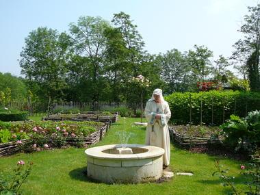 coucy-le-chateau_jardin_medieval_79