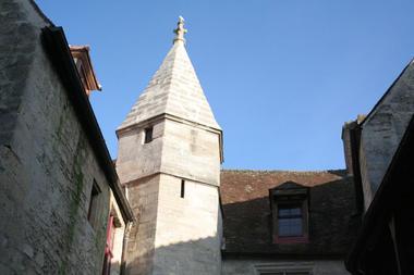 Cour du Dauphin II < Laon < Aisne < Picardie