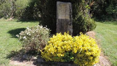stèle des fusillés de fontenoy (1)