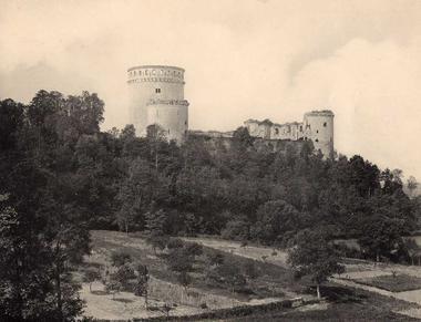 Château de Coucy en 1914 < Guerre 14-18 < WWI < Aisne < Picardie < France