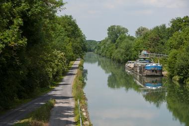 La Voie Verte au bord du canal de l'Oise