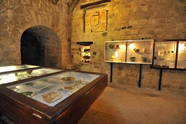 Château Fort < Guise < Aisne < Picardie