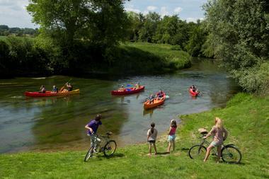 Débarcadère de kayaks à Erloy