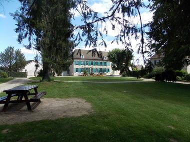 Porte Verte et Bibliothèque - Fragnes La Loyère