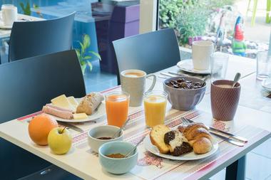 NewBrand-7110-FR-champforgeuil-petit-dejeuner-9458