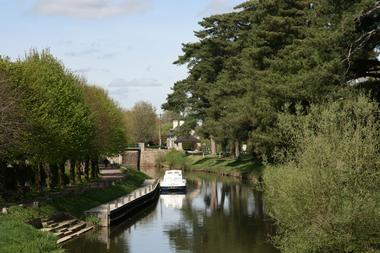 Malestroit canal de Nantes à Brest écluse