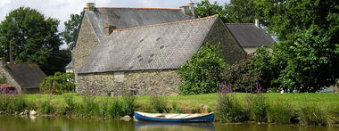Berges de Launay canal