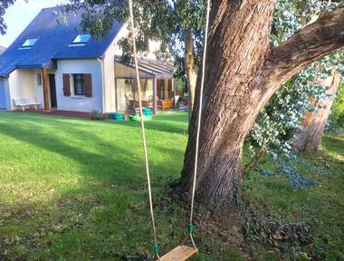 DESCARREGA Maison. Jardin + balançoire en automne.cancale