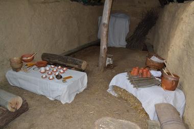 Faites-de-la-Prehistoire-Menhirs-de-Monteneuf