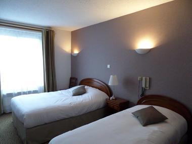 Hotel-les-Tilleus-Dinard-chambre-twin