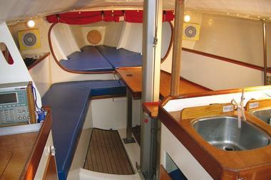 La baie de Douarnenez en voilier moderne