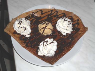 Les bonnes crêpes dessert de la Riveraine, crêperie à Malestroit - Morbihan - Bretagne