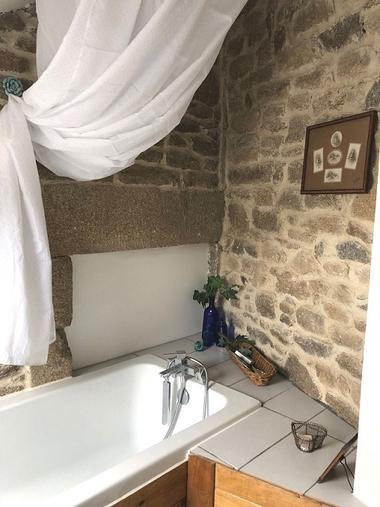 Logis Trémignon - Meublé Mégrit - Salle de bain ©Mme Bulvestre