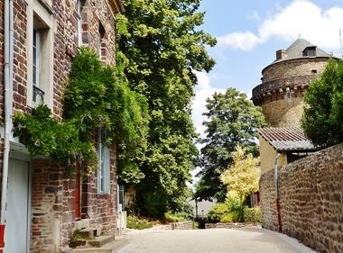Tour-du-Papegaut-Montfort