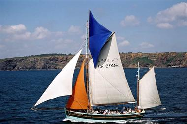 Voiles et Traditions