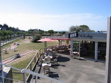 Bar de la plage vue mini-golf Merville-Franceville-Plage