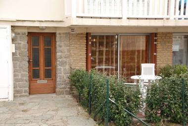 Chez M. et Mme Drieu - entrée