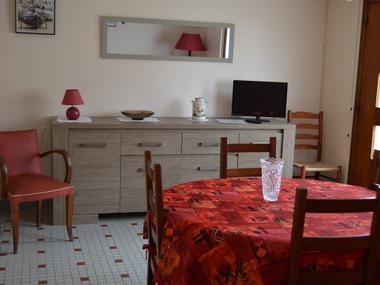 Chez Mme Ragot - le séjour (2)
