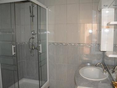 Salle de bain RDC Cour