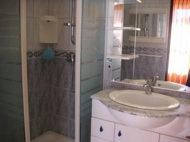 Salle de bain RDC Terrasse