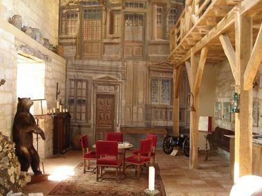 Aubas_chateau sauveboeuf_7. Salle d'ours 800.600