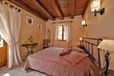Chambre-lit-double--2-Les-Bousquies-Ouest-3