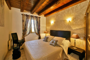 Chambre-lit-double-Les-Bousquies-Ouest-3
